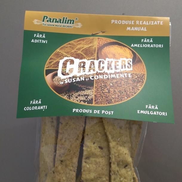 Crackers cu susan si condimente