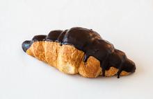 Croissant cu ciocolata 90 g.